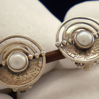 """Lacedaemonian"" Pearl Clip-On Earrings - A.LeONDARAKIS"